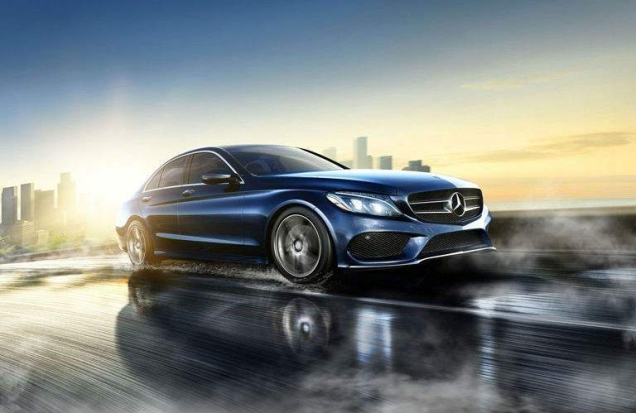 Mercedes-Benz_C-Class_B_Image_o